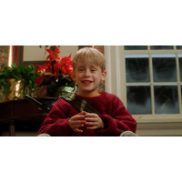 Sat 21 Dec @ 2pm | HOME ALONE + FREE GIFT FOR KIDS